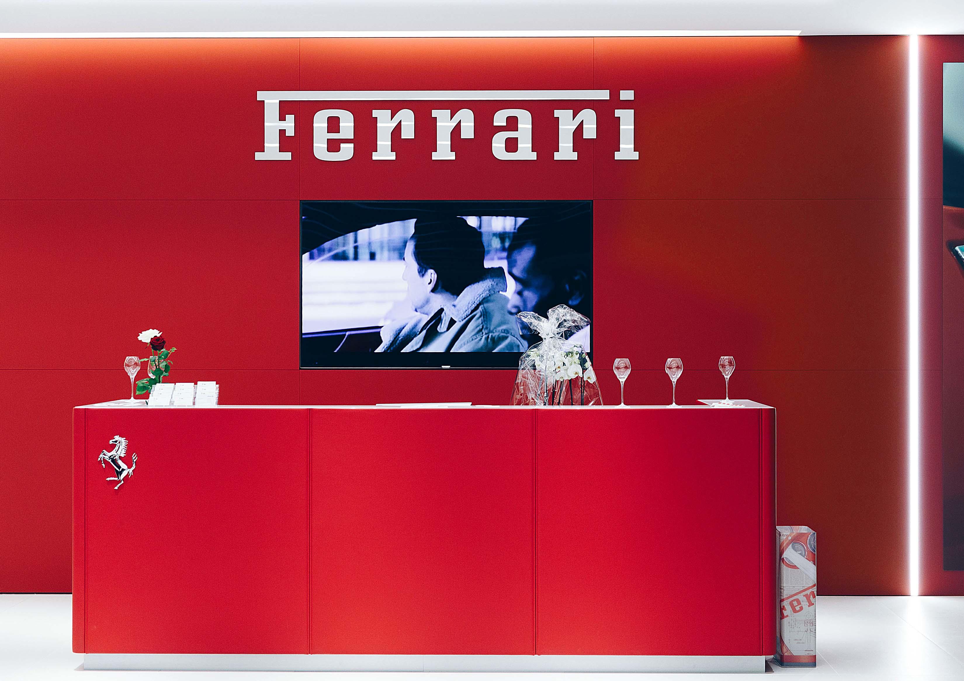 #1 Ferrarigarage Niki Hasler